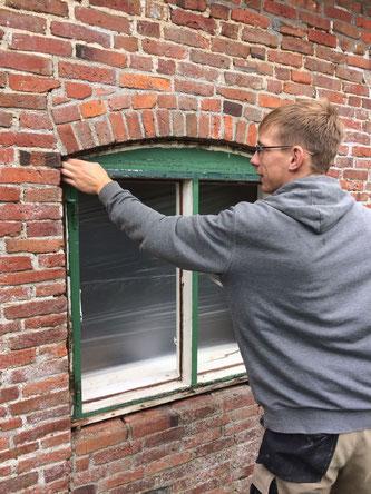 Ausbesserungsarbeiten an vorhandenen Fenstern
