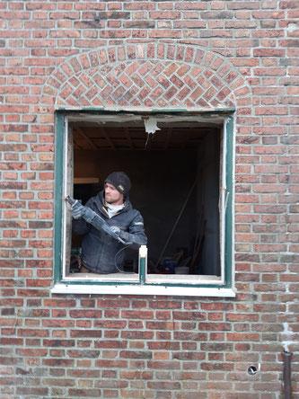 Demontage der Fensterzarge