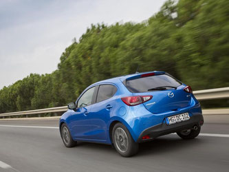 Sparsam ist der Mazda2 ebenfalls. Die Benziner verbrauchen 4,5 bis 4,9 Liter je 100 Kilometer, der Diesel nur 3,4 Liter. Foto: Mazda