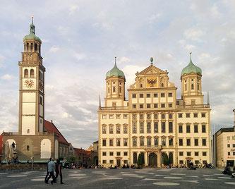 Der Rathausplatz in Augsburg (Foto: pixabay.com / joiom)