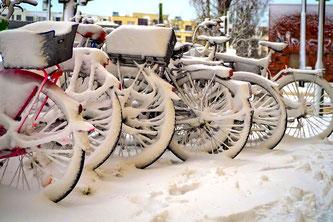 Auch im Winter sind viele mit dem eigenen Fahrrad unterwegs (Symbolbild; Foto: pixabay.com / MichaelGaida)