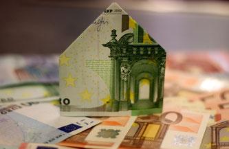 Private Baufinanzierungen in der Prüfung (Foto: pixabay.com / moerschy)