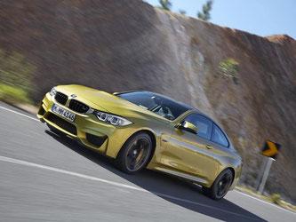 Der BMW M4 ist alltagstauglicher als so mancher Sportwagen - und passt auch mit seinem Downsizing-Antrieb halbwegs in die Zeit. Foto: BMW