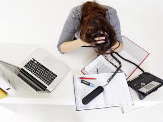 Wer am Arbeitsplatz gemoppt wird, kann einen Schadensersatz erhalten. Jedoch nur, wenn die Schikane regelmäßig und geplant erfolgt. Foto: Monique Wüstenhagen
