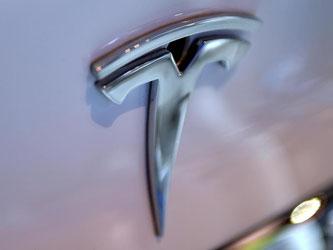 Tesla steht gerade in der Kritik nach dem ersten tödlichen Unfall mit seinem Fahrassistenz-System «Autopilot». Foto: Britta Pedersen/Archiv