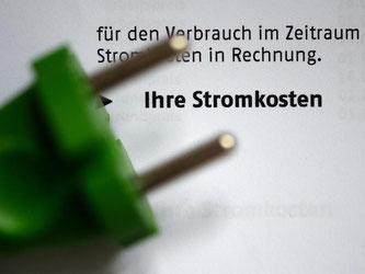 Wer seine Stromrechnung kriegt, sollte sie genau prüfen. Foto: Jens Kalaene