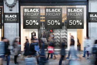 Was sich die Konsumenten vom Black Friday und dem Cyber Monday erwarten können (Foto: obs/Pepper Media Holding / mydealz.de))