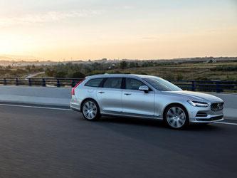 Der V90 sieht schlank und elegant aus, auch als Kombi. Foto: Volvo