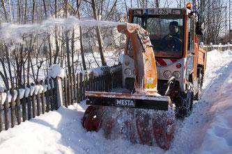 In Bayern sind die Winterdienste momentan im Dauereinsatz (Foto: pixabay.com / stux)