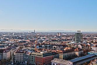 Sicht über München (Symbolbild; Foto: pixabay.com / moerschy)