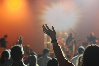 Rock vom Feinsten in der Münchner Olympiahalle (Symbolbild; Foto: pixabay.com / Free-Photos)