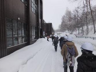 自衛隊前駅から南車両基地まで徒歩で移動