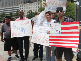 Trump supporters rally on the street. Picture is taken by Elvert Barnes.