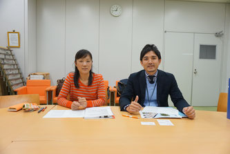 Tomoko Fujita (left) and Shinya Aoyagi speak during an interview with Hakumon Herald.