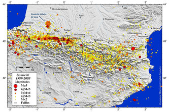 Sismicité enregistrée dans les Pyrénées entre 1989 et 2003 © Observatoire Midi-Pyrénées