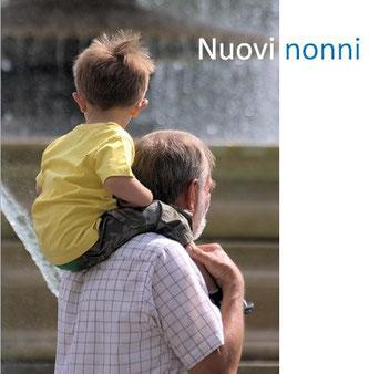 locandina evento Nuovi nonni - nonno con il nipotino a cavalcioni sulle spalle