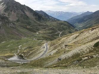 Die bevorstehende Abfahrt von Col de Tourmalet - yaaayyyyy