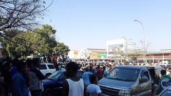 Spontane Massenversammlung
