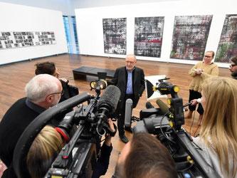 Die Zeugnisse von Holocaust-Überlebenden werden von den Werken Richters begleitet. Foto: Uli Deck