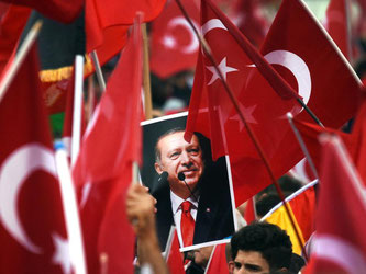 Erdogan-Anhänger in Köln. Foto: Henning Kaiser