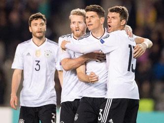 Die deutsche Nationalmannschaft feiert einen souveränen 4:1-Erfolg über Aserbaidschan. Foto: Marius Becker