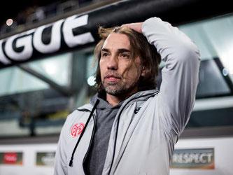 Für Coach Martin Schmidt und die Mainzer endete die Partie in Anderlecht mit 1:6. Foto: Maja Hitij
