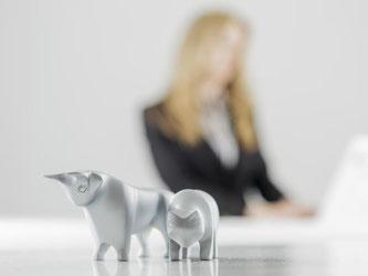Vor einer Investition sollten sich Sparer über ihre Anlage gut informieren. Einige Kennzahlen können helfen, das richtige Produkt für die eigene Anlagestrategie auszuwählen. Foto: Monique Wüstenhagen