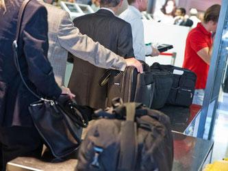 Die EU-Kommission verklagt Deutschland wegen zu lascher Sicherheitskontrollen an Flughäfen. Foto: Frank Rumpenhorst/Archiv