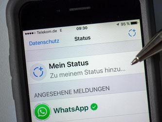 Das neue WhatsApp Update erlaubt Nutzern, individuelle Bilder und Videos mit Emojis, Texten und Zeichnungen zu ergänzen. Foto: Arno Burgi