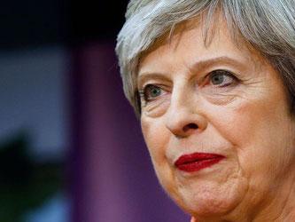 Theresa May hält trotz der Wahlschlappe an ihrem Machtanspruch fest. Foto: Alastair Grant