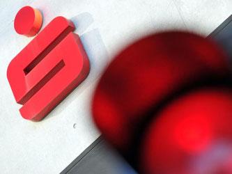 Klagende Anleger haben den Vergleichsvorschlag der Ulmer Sparkasse im Streit um hochverzinste Sparverträge abgelehnt. Zuvor hatte das Landgericht Ulm den Sparern in mehreren Verfahren den Rücken gestärkt. Foto: Stefan Puchner