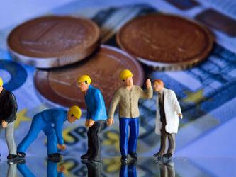 Mindestlöhner können sich 2017 über eine Erhöhung freuen. Für Minijobber verringert sich dadurch Arbeitszeit. Foto: Jens Büttner