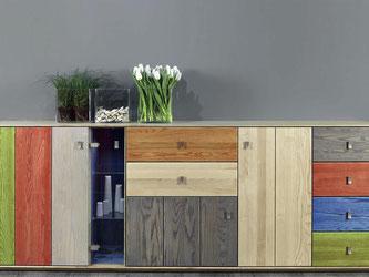 Auch viele neue Möbel spielen mit dem Shabby-Schick, der gerade so beliebt ist. Foto: VDM