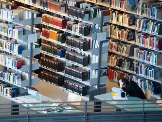 Studenten können einen Teil der Ausbildungskosten bei der Steuererklärung geltend machen. Foto: Stefan Sauer