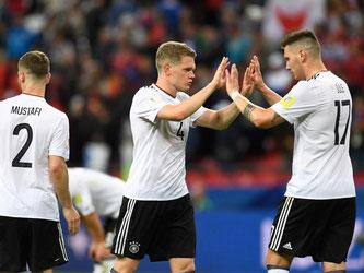 Die DFB-Elf um Shkodran Mustafi, Matthias Ginter (M.) und Niklas Süle (r) spielte 1:1 gegen Chile. Foto: Marius Becker