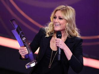 Sängerin Helene Fischer freut sich über die Auszeichnung in der Kategorie «Album des Jahres». Foto: Britta Pedersen