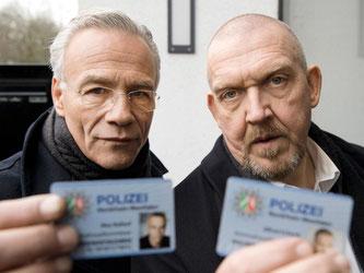 Es geht weiter: Klaus J. Behrendt, l) und Dietmar Bär in der «Tatort»-Folge «Durchgedreht». Foto: Martin Valentin Menke/WDR