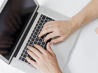 Wer seine eigene Webseite schaffen möchte, ist mit den Tipps und Tutorials Selfhtml immer noch gut beraten. Foto: Monique Wüstenhagen