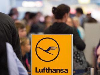 Lufthansa-Passagiere können hoffen, dass ihnen weitere Streiks vorerst erspart bleiben. Foto: Lukas Schulze/Archiv