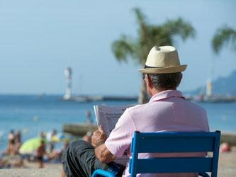 Entspannt in den Urlaub: Um ihren Urlaubsanspruch durchsetzen zu können, sollten Arbeitnehmer ihre Rechte kennen. Foto: Matthias Balk