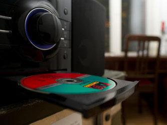 Wer unwissentlich eine gefälschte CD kauft, macht sich in der Regel nicht strafbar. Foto: Franziska Gabbert