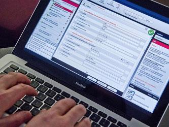 Steuersoftware stellt dem Anwender die richtigen Fragen und präsentiert am Ende eine fertig ausgefüllte elektronische Steuererklärung. Foto: Andrea Warnecke