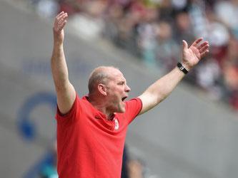 Trainer Thomas Schaaf fehlte bei der Eintracht die Rückendeckung. Foto: Arne Dedert