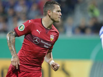 Daniel Ginczek erzielte in der 60. Minute den 2:1-Siegtreffer für den VfB in Kiel. Foto: Axel Heimken