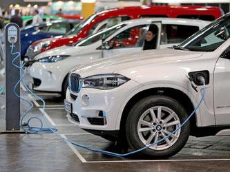 Die deutschen Autobauer wollen ihr Angebot an Elektroautos massiv ausbauen. Foto: Jan Woitas