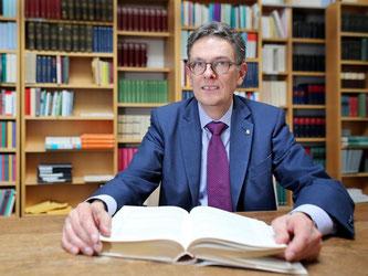 Buchmessedirektor Oliver Zille erwartet 250 000 Besucher in Leipzig. Foto: Jan Woitas/dpa