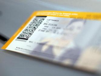 Wer ein Flugticket bucht, muss sofort den vollen Preis bezahlen - egal ob der Flieger in drei Tagen oder sechs Monaten abheben soll. Foto: Malte Christians