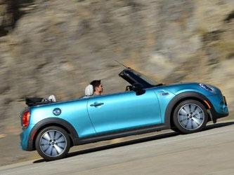 Das Mini Cabrio kostet mindestens 21 900 Euro. Foto: BMW