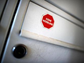 «Keine Werbung» fordern viele Mieter an ihrem Briefkasten. Doch was, wenn die Post persönlich an den Mieter adressiert ist? Foto: Arno Burgi