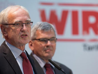 Vorgänger und Nachfolger? Für das Amt des Ersten Vorsitzenden kandidiert allein der bisherige Vize Jörg Hofmann (r.). Links Detlef Wetzel. Foto: Frank Rumpenhorst